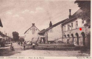 Mairie-école à Landresse